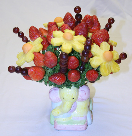 Baby Picture on Luck Making This Tasty  Edible Fruit Bouquet Baby Shower Centerpiece
