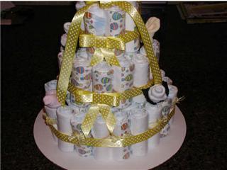 polka dot diaper cake design